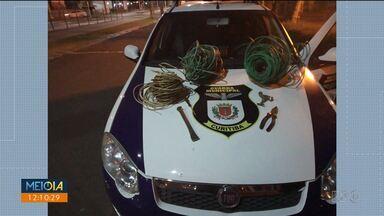 Guarda Municipal prende homem com cabos de cobre roubados em Curitiba - Quase 20 quilos de cobre foram retirados do Passeio Público, que ficou sem luz na madrugada desta segunda-feira (12).