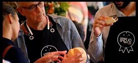 Produtora de São Paulo é a ganhadora do Concurso Mundial de Queijos em Araxá - Evento reuniu milhares de visitantes no Parque do Barreto. Em três horas, mais de mil pessoas passaram pelo local e provaram uma tonelada e meia de queijo.