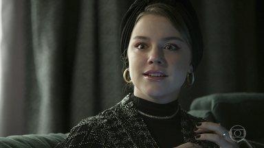 Dalila pensa numa maneira de manchar a reputação do delegado - Ela quer usar o dono da confecção clandestina para incriminar Almeidinha