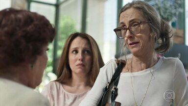 Eva fica triste ao descobrir que Omar foi embora - Ester pede que Latifa volte para sua casa para ficar com Abner