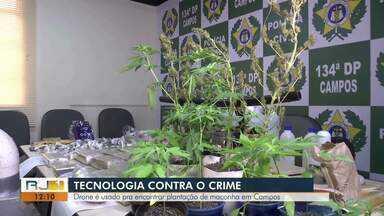 Drone auxilia polícia em denúncia contra plantação de maconha em casa em Campos - Assista a seguir.