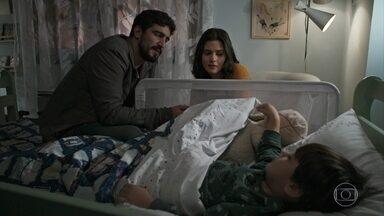 Laila decide ir a casa de Rania com Jamil - Ele conta que ela queria contar algo no passeio, mas não teve tempo