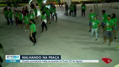 Projeto leva treinos de graça para praça de Linhares, ES - Serviço é oferecido todas as quartas na praça 22 de Agosto.