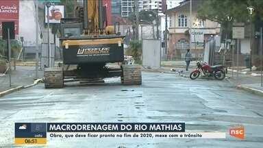Obras de macrodrenagem do Rio Mathias, em Joinville, devem ficar prontas em 2020 - Obras de macrodrenagem do Rio Mathias, em Joinville, devem ficar prontas em 2020
