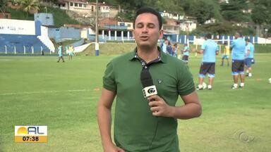 CSA terá mudança na equipe para enfrentar o Fluminense - Time segue preparação para jogo no Maracanã