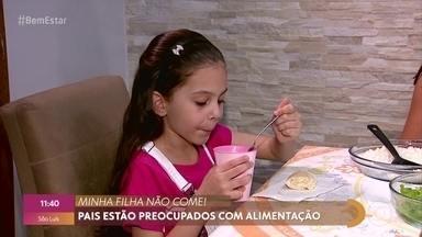 """O que fazer quando uma criança é 'picky eater' - Picky eater é o termo usado para crianças que são """"exigentes"""" na hora de comer. Elas têm quase uma aversão pela comida. A pediatra Ana Escobar dá dicas para melhorar a alimentação."""