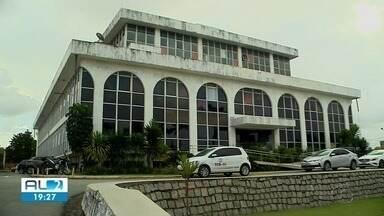 Justiça determina exoneração de 26 servidores do Tribunal de Contas de Alagoas - Eles entraram na instituição sem concurso.