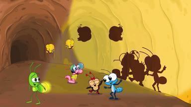 O Túnel - A turminha procura Trevinhos dentro de um antigo túnel do jardim. Lola descobre que tem medo do escuro. Bob Zoom e Alex ajudam a amiga a superar o medo.