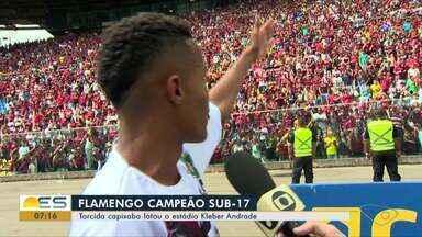 """Flamengo campeão Sub-17: torcida capixaba lota o estádio Kleber Andrade no ES - O estádio Kléber Andrade virou um """"caldeirão rubro-negro""""."""
