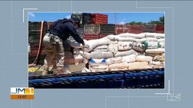 PRF apreende seis toneladas de queijo e carne bovina em Caxias - Carga era transportada de forma inadequada e estava com a documentação irregular.