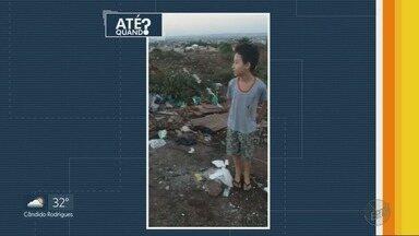 Criança usa celular da mãe para denunciar lixo e asfalto danificado em Ribeirão Preto - Menino de 8 anos usou telefone para expor problema no Alto do Ipiranga.