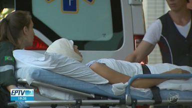 Jovem que perdeu couro cabeludo em kart se recupera em hospital de Ribeirão Preto - Débora Oliveira, de 19 anos, deve ser atendida por equipe do Hospital Especializado para continuar tratamento de reconstrução do couro cabeludo.