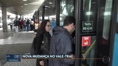 Prefeitura volta a cobrar tarifa mais cara de usuários do vale-transporte - Muito passageiro foi pego de surpresa com as mudanças desta terça-feira (20).