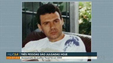 Três pessoas são julgadas em Maringá acusadas da morte de auditor fiscal - Assassinato do auditor fiscal foi em 2005.