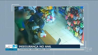 Comerciantes reclamam da falta de segurança no Anil, em São Luís - Segundo eles, os assaltos são constantes e falta policiamento para evitar a ação de bandidos.