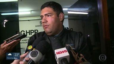 Primo de sequestrador pede desculpas às vítimas do ônibus - Ele diz que sequestrador estava em um quadro depressivo.