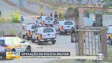 Polícia Militar detém suspeitos em operação na Região de Venda Nova, em BH - A PM cumpre 12 mandados de busca e apreensão contra o tráfico de drogas e a posse irregular de armas de fogo. Polícia cumpre mandados de busca e apreensão.
