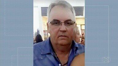 Homem morre em acidente na zona rural de Jataí - Segundo o Corpo de Bombeiros, ele trabalhava em um caminhão prancha e teve a cabeça prensada no veículo.