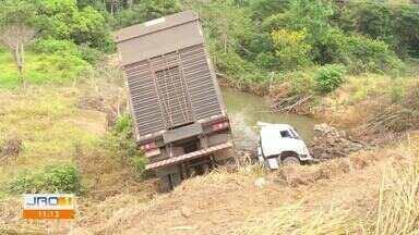 Três acidentes de trânsito são registrados em Ariquemes em menos de 24h - Três acidentes de trânsito são registrados em Ariquemes em menos de 24h