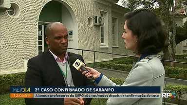 Após novo caso de sarampo, UEPG vacina alunos e professores em Ponta Grossa - Professor de Curitiba que esteve na cidade foi diagnosticado com a doença.