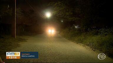 Problema de iluminação no Residencial Xique-Xique é resolvido - Moradores reclamavam da situação porque estava acontecendo muito assalto no local.