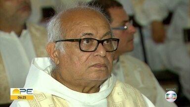 Padre Caetano vai receber título de cidadão olindense - Francisco Caetano Pereira é, atualmente, pároco de igreja em Santo Amaro, mas morou em Olinda por anos.
