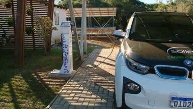 Carro elétrico surge como alternativa pra economizar na hora de abastecer - Nossa equipe circulou com um dos poucos que existem no Estado.