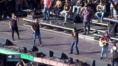 Passagem de som vira show 'vip' dos Amigos na arena de Barretos - Artistas são a atração principal da festa nesta sexta-feira.