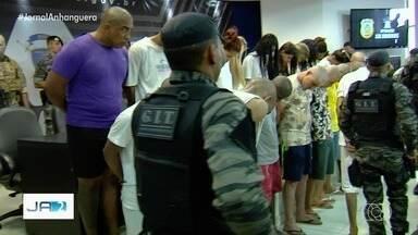Ameaças contra policiais motivaram ação contra facção criminosa que prendeu 41 em Goiás - Operação Lex Dominus buscou desarticular grupo que atuava no tráfico de drogas e armas. Segundo delegada, autoridades que atuam no combate à corrupção foram ameaçadas por criminosos.