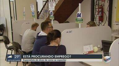 Especialista dá dicas de como se capacitar para buscar emprego - De acordo com os dados do Caged, desemprego cresce mais que vagas geradas em São Carlos.