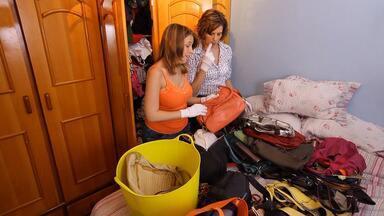 Micaela, me ajuda a ter meu quarto de volta! - Nathália reclama da mãe e diz que Cristina passou a ocupar o antigo quarto dela com objetos de bebê depois do nascimento do neto.