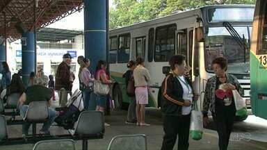 Após reclamações, passagem de ônibus baixa de R$ 4,04 para R$ 4 em Paranavaí - Tinha muita gente ficando sem o troco.