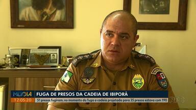 Mais de 40 presos fogem da carceragem da delegacia de Ibiporã - Local foi projetado para manter 35 presos, mas estava com 193 detentos, segundo a Polícia Civil.