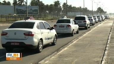 Taxistas são recebidos pelo TJ-AL para apresentar reivindicações - Categoria cobra regulamentação do serviço de táxi lotação, considerado ilegal pela prefeitura de Maceió.