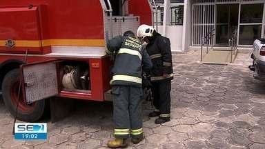 Incêndio atinge sala da Biblioteca Pública Epiphanio Dória - Segundo a coordenadora, ninguém ficou ferido.