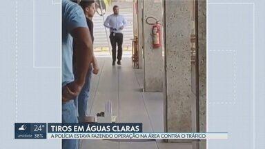 Tiros em Águas Claras - Policiais Civis faziam uma operação de combate ao tráfico de drogas, quando um suspeito fugiu. Houve perseguição, mas o suspeito não foi encontrado. Um caminhão de cargas foi atingido por um dos disparos, mas ninguém se feriu.
