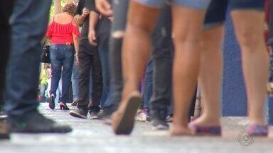 Maiores cidades do Centro-Oeste Paulista têm crescimento populacional, aponta o IBGE - O IBGE divulgou nesta quarta-feira (28) a estimativa da população brasileira para 2019. As maiores cidades da região, que conta com a menor cidade do estado, registraram aumento no número de habitantes. Em alguns municípios, a população diminuiu.