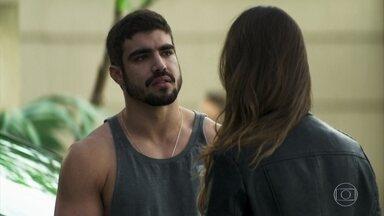 Rock termina com Fabiana - O lutador desconfia da índole da namorada e ela tenta se justificar