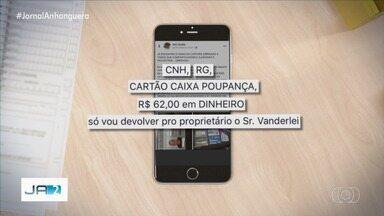 Homem encontra carteira e consegue localizar dono ao colocar anúncio na rede social - Entrega de documentos e outros pertences achados pode ser feita nos Correios.