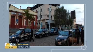 Polícia investiga tráfico de drogas e homicídios em Santa Bárbara - Foram cumpridos mandados de busca e apreensão na cidade; houve apreensão de armas, munição e drogas.