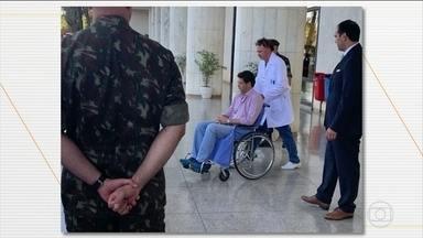 Ricardo Salles recebe alta depois de passar uma noite internado em Brasília - Segundo o boletim médico, o ministro do Meio Ambiente apresentou quadro de mal estar.
