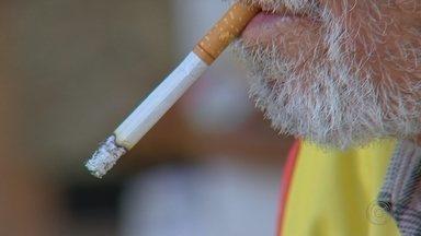 SUS oferece tratamento gratuito para pessoas que desejam parar de fumar - Nesta quinta-feira (29) é comemorado o Dia Nacional de Combate ao Fumo e o Sistema Único de Saúde (SUS) oferece tratamento gratuito para pessoas que querem parar de fumar.