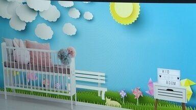 Empresa reestiliza casas com papel de parede e adesivos personalizados - Empresário passou três anos pesquisando o mercado antes de montar o negócio. Ele investiu alto em máquina que imprime adesivos em alta qualidade.