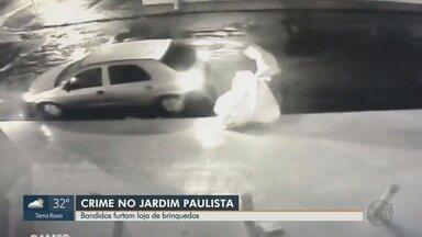 Loja de brinquedos é furtada no Jardim Paulista em Ribeirão Preto, SP - Dono calcula prejuízo de pelo menos R$ 30 mil. Suspeitos ainda não foram identificados.