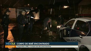 Bebê é encontrado morto dentro de sacola - Caso foi registrado em Ponta Grossa. Corpo era de uma menina.