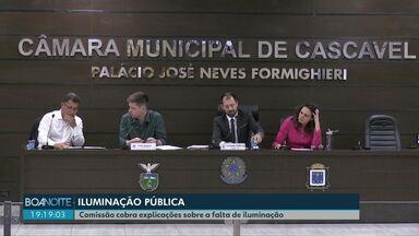 Vereadores cobram explicações sobre a falta de iluminação em bairros de Cascavel - O secretário de Obras esteve na Câmara nesta terça-feira (02/09).