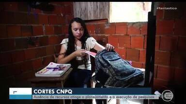 Cortes de verbas do CNPQ prejudica estudantes com cortes de bolsas - Cortes de verbas do CNPQ prejudica estudantes com cortes de bolsas