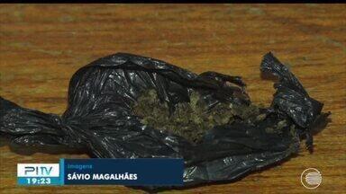 Vistoria encontra drogas em cano de privada de presídio em Picos - Vistoria encontra drogas em cano de privada de presídio em Picos