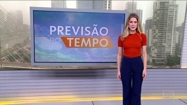 Previsão do tempo: risco de temporal no Sudeste e em parte do Sul - Duas frentes frias vão formar áreas de instabilidade em São Paulo, no Rio, em parte de Minas e do Paraná, onde o risco é de temporal. A chuva pode ser forte no Norte e mais fraca no leste nordestino. Em quase todo o Centro-Oeste o tempo fica seco.