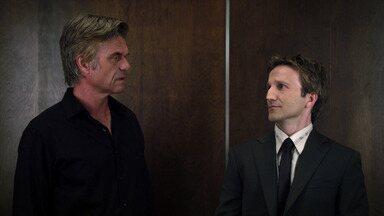 Bro Bono - Jared é convidado a tocar o processo de divórcio de Karp e Hanna depois que os dois são impedidos de trabalhar juntos.